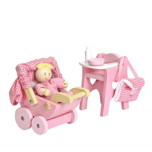 Kleinkind mit Ausstattung / Nursery Set